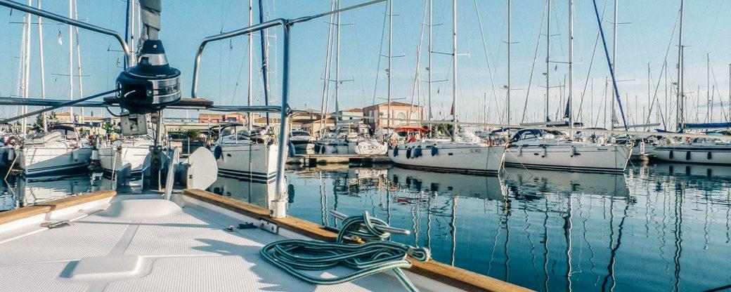 Yachthafen im Mittelmeer